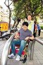 公園ㄇ型車阻 讓輪椅族卡門