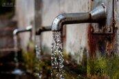 水費紓困方案 最多減免三成 廠商營業額衰退達50%