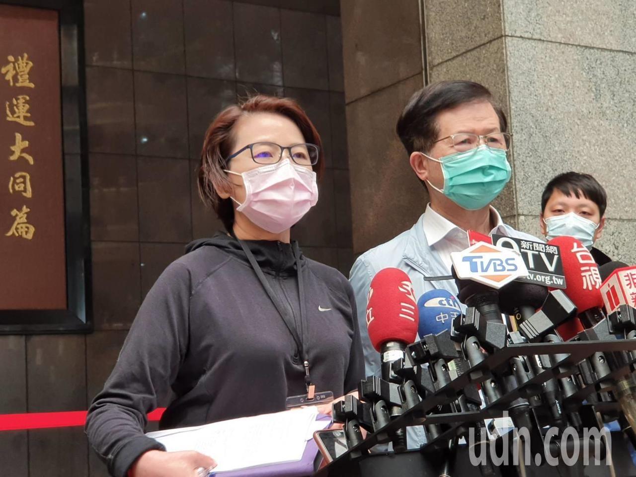 台北市副市長黃珊珊上午舉行毒疫情小組應變會議後受訪。記者楊正海/攝影