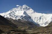聖母峰封山!尼泊爾停發登山證