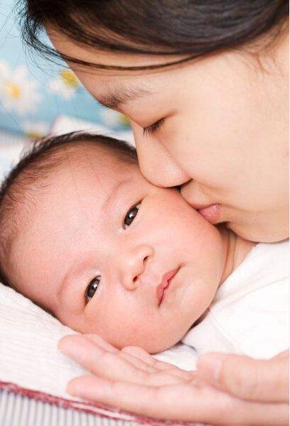 現代生育率低,每個小孩都是整個家族的寶貝,怎樣讓小孩平安健康長大,是每位新手爸媽最關心的事情。(圖/好房資料中心)