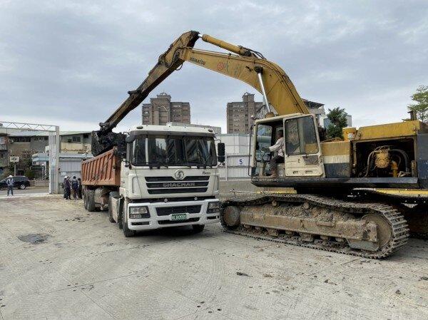 環保局要求將廢土回置產出工地。新北市政府提供