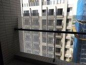 陽台設計求美觀 社區內玻璃狂爆嚇壞「此地不宜久留」
