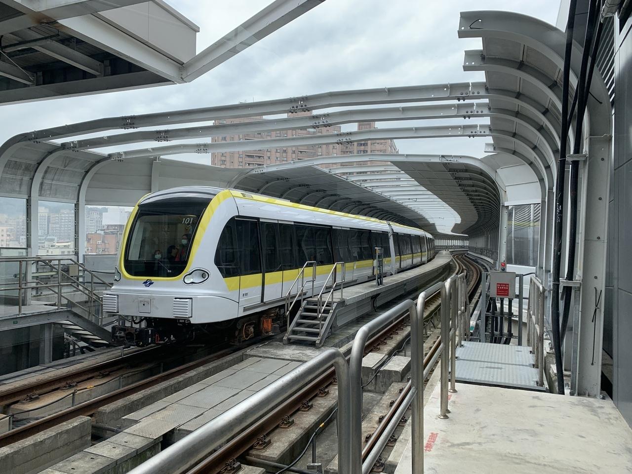 新北市長侯友宜認為,境內的捷運新北有責任管理經營,圖為新北環狀線。記者魏翊庭/攝影