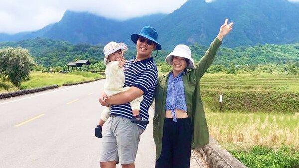 永慶房屋宜安店店長蘇冠穎到花東旅遊,不忘帶著家人一同完成萬步走計畫。圖/永慶房產集團提供