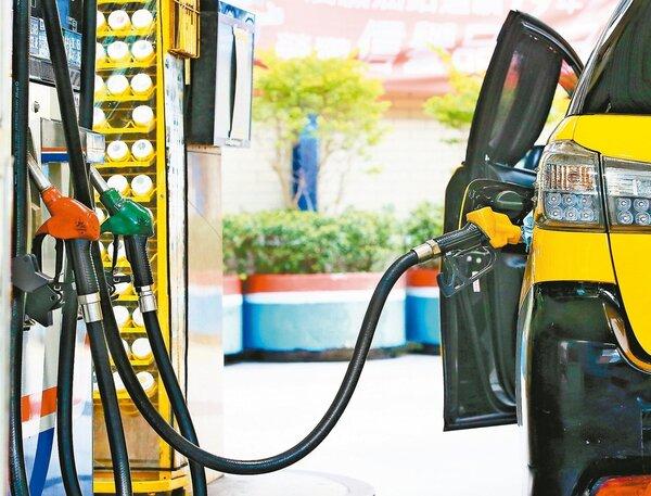 下周汽油零售價格每公升約各調漲0.1元、柴油不調整。圖/聯合報系資料照片