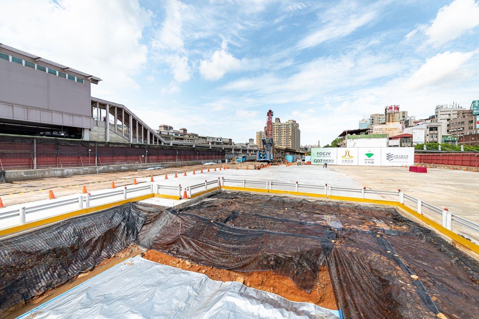 桃園捷運綠線G07(桃園站)5日啟動連續壁工程。圖/桃園市政府提供