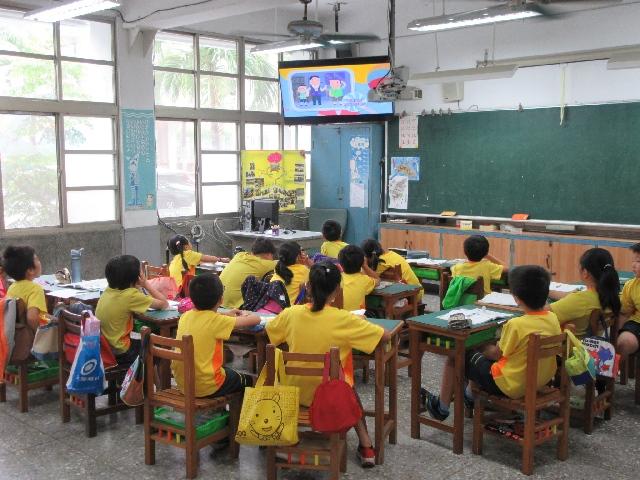 台中市政府再度宣布,6月起實施第二階段鬆綁,平日下午6時、學生放學後,校園戶外場地對外開放。圖/台中市政府提供