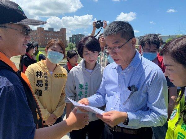 內政部長徐國勇視察台南滯洪池擴建工程。圖/台南市政府提供