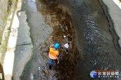 維護河川環境 基市環保局加強清理河面垃圾