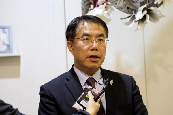 台南市長黃偉哲表示,總統蔡英文已於108年2月25日指示,推動龍崎工業區奇特自然景觀的保存。圖/台南市政府提供
