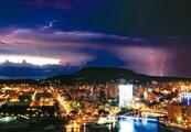 鸚鵡颱風外圍環流影響 周末登山注意閃電雷擊