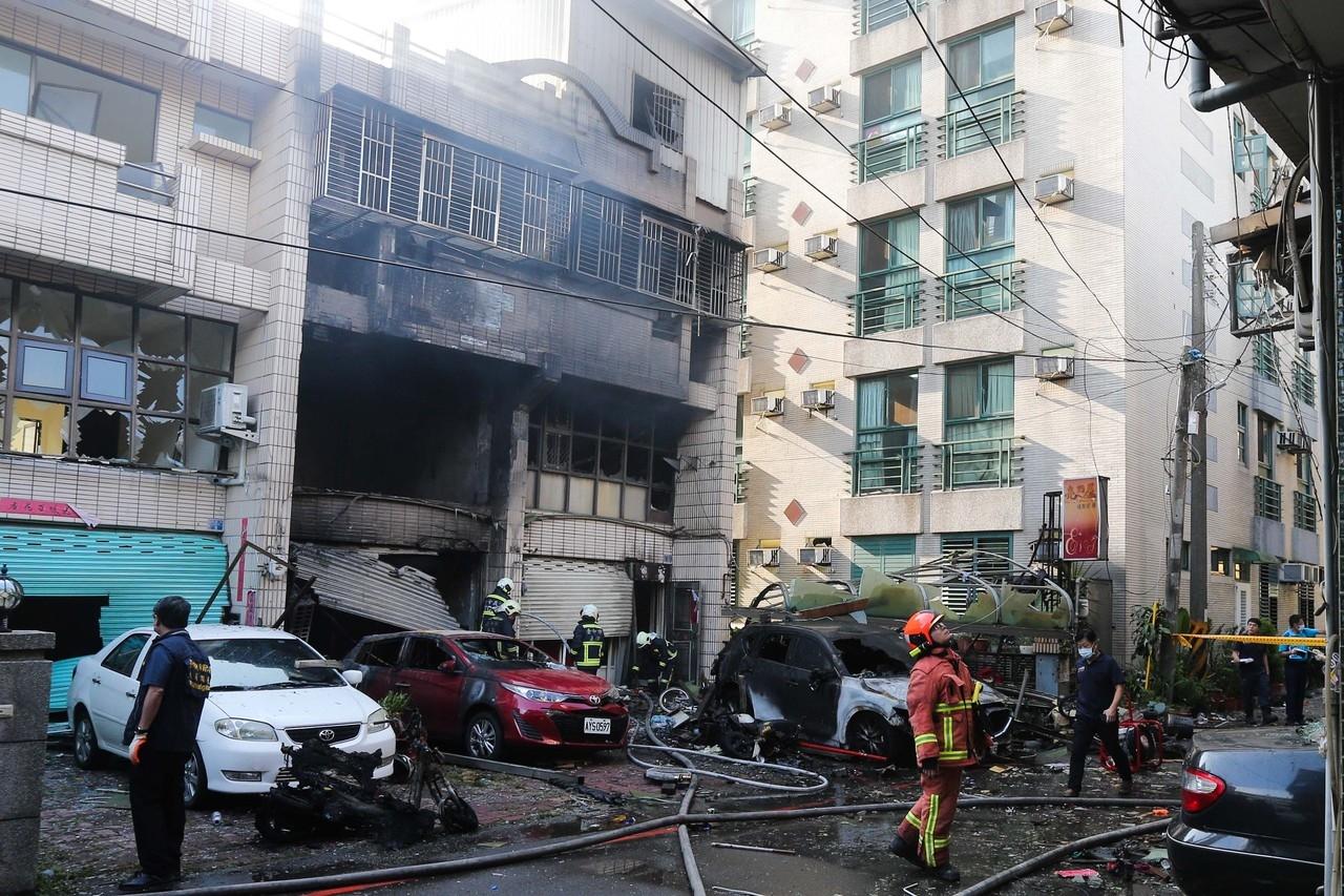 台中市東海商圈一處民宅昨天凌晨發生氣爆,造成四死一傷悲劇,不排除是人為因素造成。記者黃仲裕/攝影