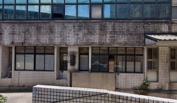 林淵源指出,房屋外牆有髒汙基本上是空氣汙染所造成。示意圖/翻攝Google Maps