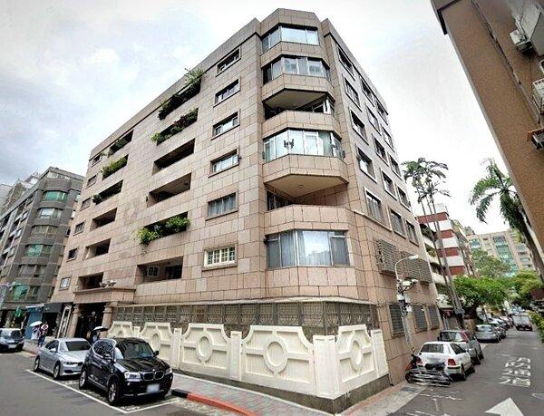 澎恰恰為了籌債款,抵押位在台北市大安區大安路一段的豪宅。圖/截自google map