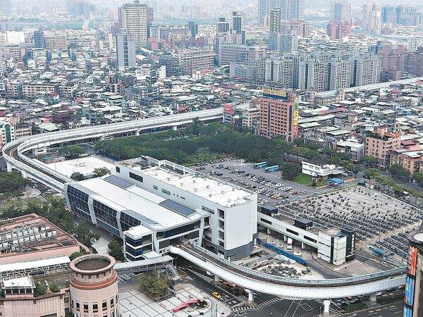 新北市府今年6月底率先收回捷運環狀線板橋站招商權。記者施鴻基/攝影