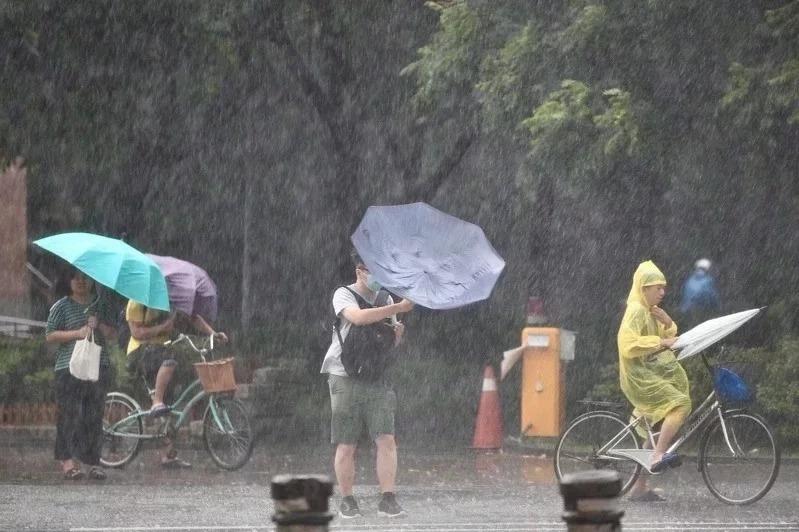 今年第8號颱風最快今晚生成。圖/聯合報系資料照片