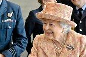 關係惡化!不惜惹怒女王、槓上皇室 哈利與梅根被指得寸進尺