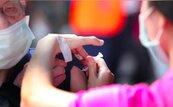 日本首例!60多歲女接種輝瑞疫苗3天後死亡 死因腦出血