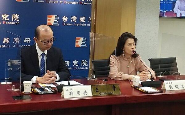 台灣經濟研究院研究員劉佩真指出,政府房市相關政策的推動,可以壓抑一些賣家的氣燄及抑制投資客。圖/好房網News記者林和謙攝