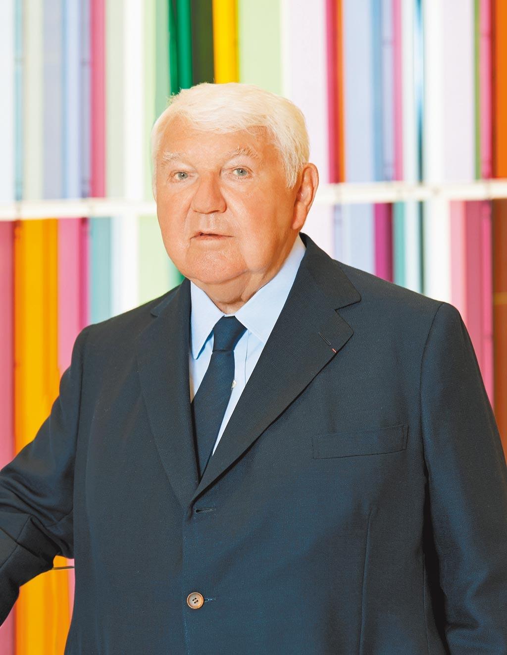 Longchamp總裁菲力卡仕格蘭染疫過世,他開創風靡全球的Le Pliage經典摺疊包,深具時尚影響力。(Longchamp提供)