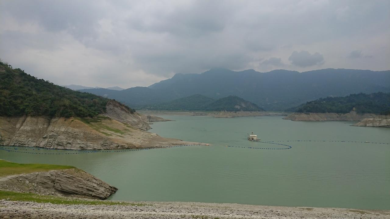 水利署配合天候條件昨(5)午後在曾文水庫實施人工增雨,至下午6點為止累積雨量為12.4毫米。圖/聯合資料照