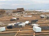 台南黃金海岸 塑膠垃圾綿延15公里