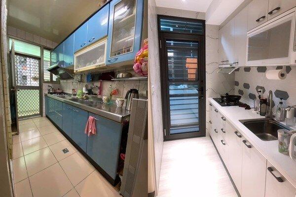 女星黃沐妍在南港買下中古屋重新翻新。圖/截自黃沐妍臉書