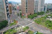 台北信義商圈 疫情三級警戒下的端午連空城