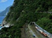 影/太魯閣號撞擊工程車出軌釀50死146輕重傷 台鐵40年來最大傷亡事故