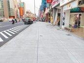 高雄站西路 實體人行道完工