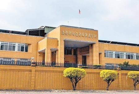 屏東縣犯下擄殺人妻案的55歲黃嫌目前收押在屏東看守所。(潘建志攝)
