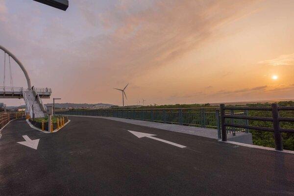 新竹17公里海岸自行車道整修完工,五大夢幻景點公開。圖/新竹市城銷處提供