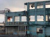曾是國內大紙廠被拆剩一道牆 地震多走過的人都怕牆倒
