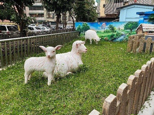 忠誠小農場裝置藝術。圖/記者陳育悅攝影
