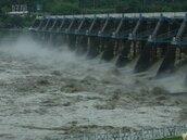 蘇力帶充沛雨量 石岡壩洩洪每秒近7千噸