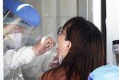 心疼!醫護每周戳鼻子戳到哭 衛福部放寬院內採檢標準