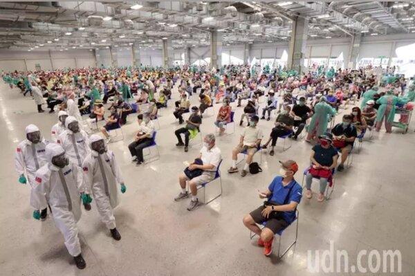 台北市花博大型接種站。圖/聯合報系資料照