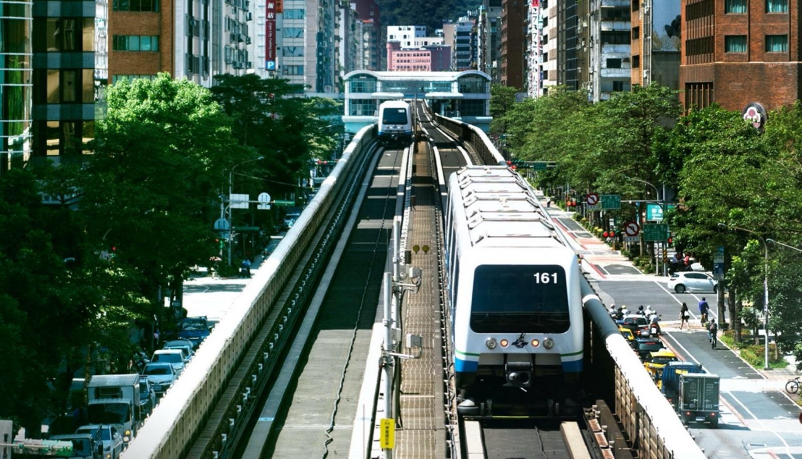 案15875經常搭乘台北捷運通勤,曾在7月28~8月5日間行經雙北捷運5大站點,包括捷運頂溪站、古亭站、南京復興站及捷運大安站。圖/截自台北捷運臉書