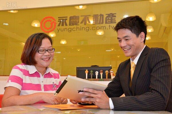 房仲情境照,合約買賣簽約照。(好房News記者 陳韋帆/攝影)
