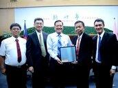 智慧城市低碳節能 奇菱導光節能玻璃捐贈竹市