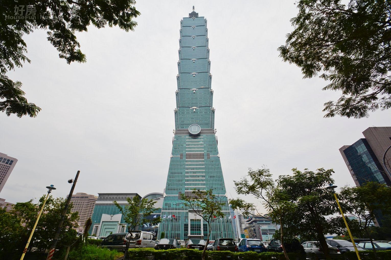 台北地標,101大樓正對面信義計畫區富創D3豪宅,現為停車場。(好房News記者 陳韋帆/攝影)