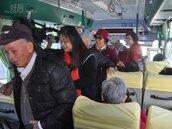 竹縣偏遠醫療專車首航 阿公阿婆看病很方便