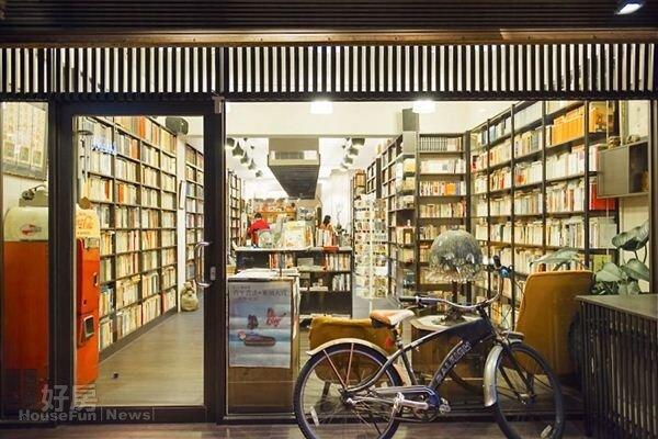 1.窗明几淨的優雅,誰料想得到這是間古書店。