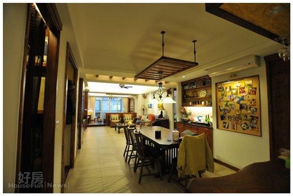 5.長形的空間,規劃為餐廳、客廳與起居間。