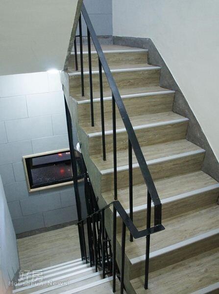 樓梯台階的高度及扶手的高度,是樓梯安全的關鍵。(圖/好房資料中心)