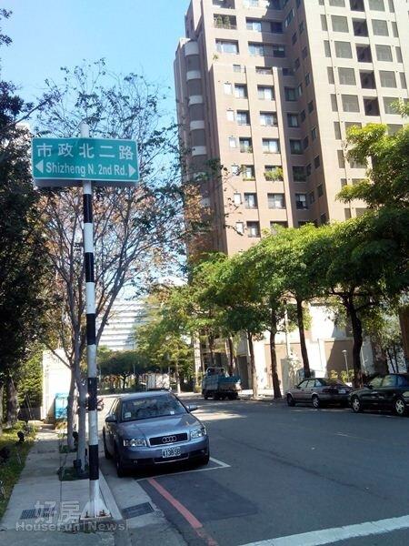 4市政北二路是台中七期重劃區的知名「名人巷」。