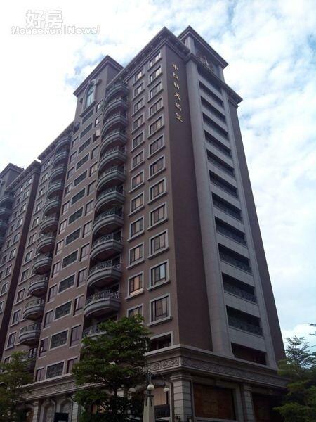3「中悅新天鵝堡」前身就是華視南崁影視城。