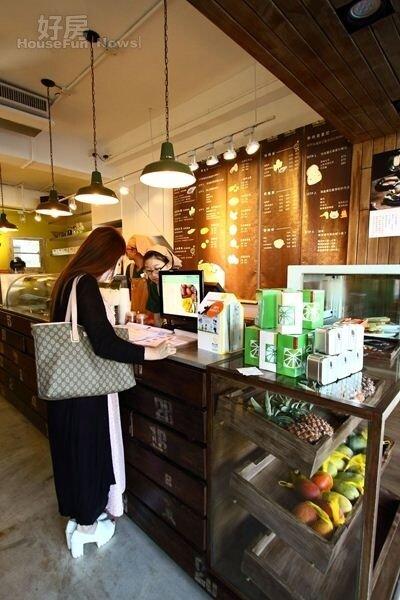 10.「果找茶」系列讓消費者有充分的選擇權,自由調配水果茶飲。