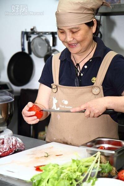 12.輕食三明治的食譜、醬料都出自古碧玲研發。